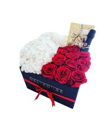 Caja Cuadrada Grande con Rosas y Hortensias Preservadas, Cava y Chocolates