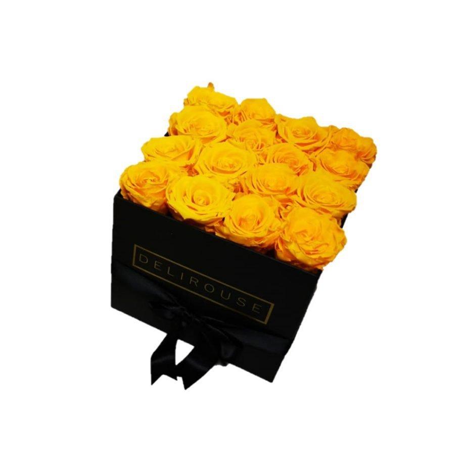 Caja Cuadrada Mediana de Rosas Preservadas 1
