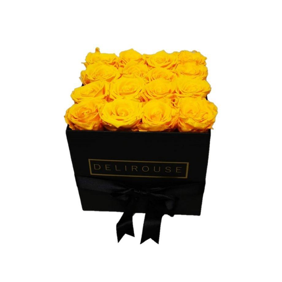 Caja Cuadrada Mediana de Rosas Preservadas 5