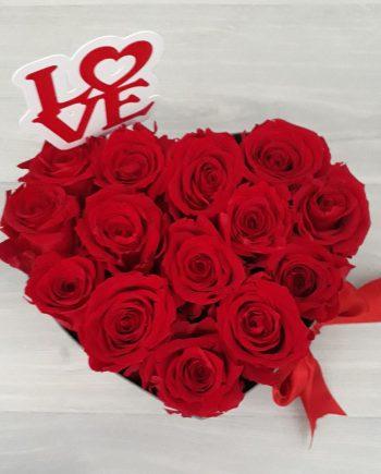 Caja Corazón mediana de Rosas con Topper Personalizado