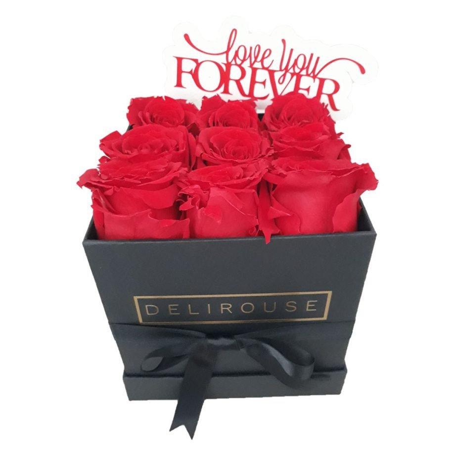 Caja Pequena Cuadrada de Rosas con Topper Personalizado 1