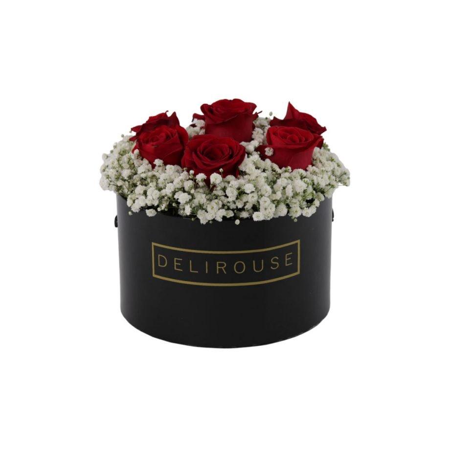Caja Mediana con Rosas y Relleno Floral 1