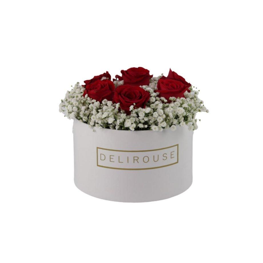 Caja Mediana con Rosas y Relleno Floral 2