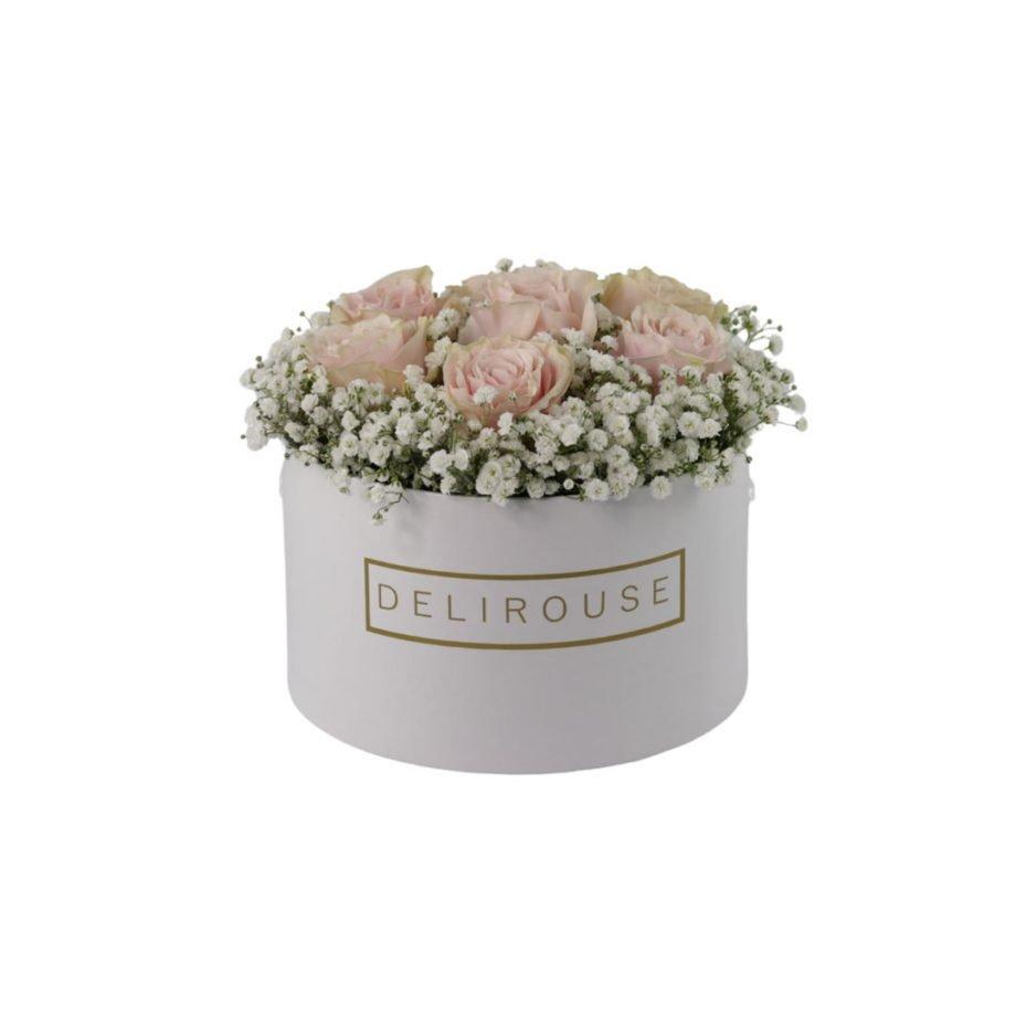 Caja Mediana con Rosas y Relleno Floral 4