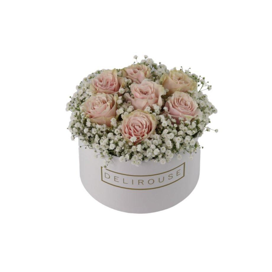 Caja Mediana con Rosas y Relleno Floral 5